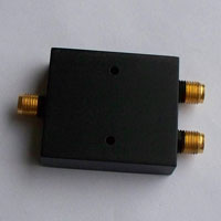 8-12.4GHz_2 way Power Divider