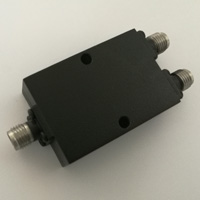 2-18GHz_2 Way Power Divider